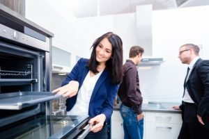 Key Ways Kitchen Showrooms Can Improve Your Home Kitchen